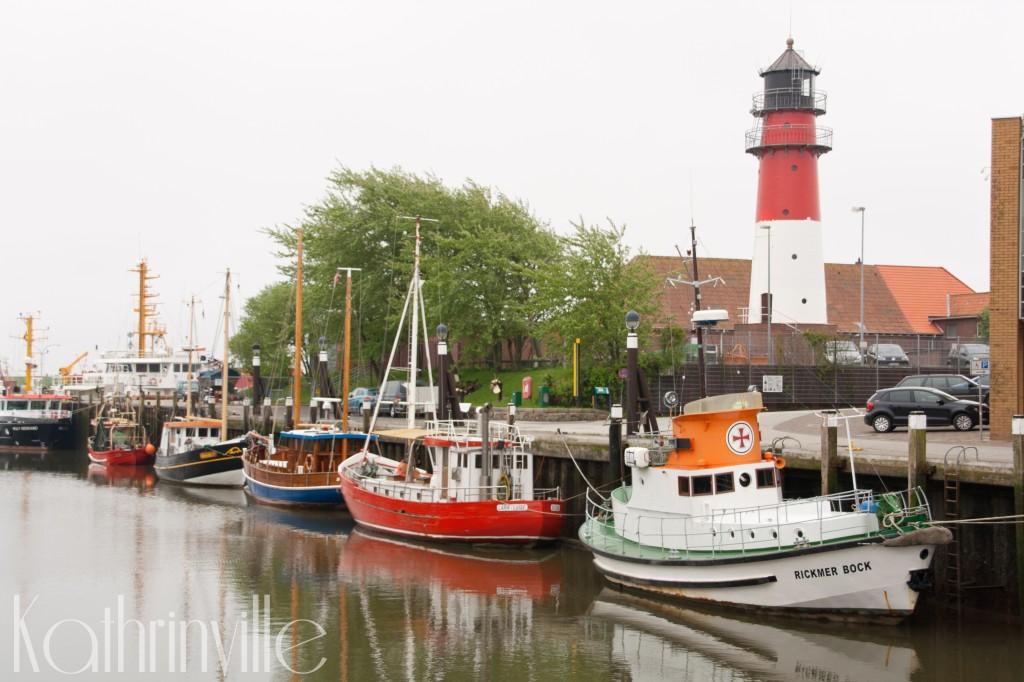 Historischer Hafen Büsum mit Leuchtturm